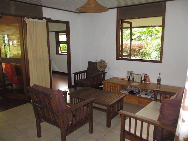Cosy house fare in French Polynesia - 'Ārue - Hus