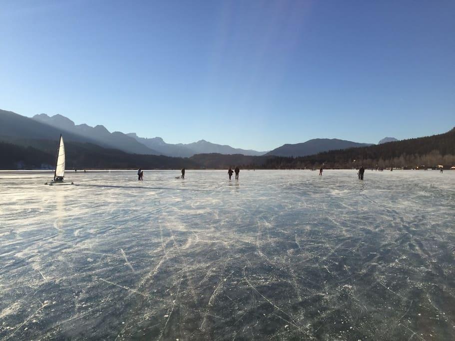 Eislaufen auf dem Pressegger See
