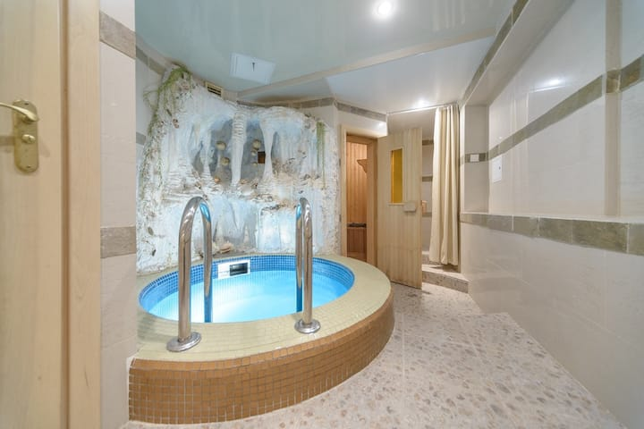 4-bedroom apartment with Sauna and Swimming pool