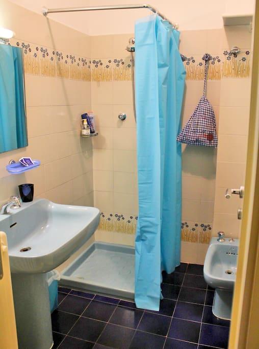 Palacongressi rimini camera appartamenti in affitto a for Bagno 72 rimini