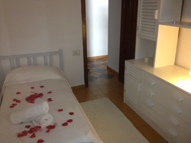 Single Room in Ibiza Ricky 4