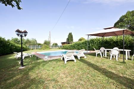 Az. Agr. La Magione-App. Casa Laura - Monteriggioni - House