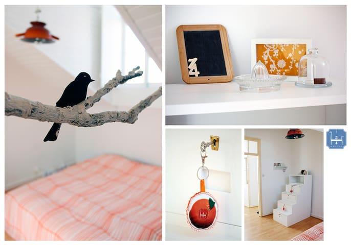 3/4 Hostel - PDL (Tangerina room) - พอนตา เดลกาดา - ที่พักพร้อมอาหารเช้า