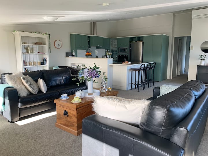 Mariri Heights Tasman Coastal Retreat