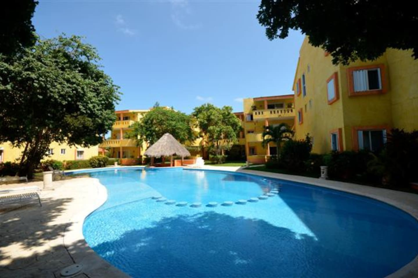 Large condo with Reef Club access!