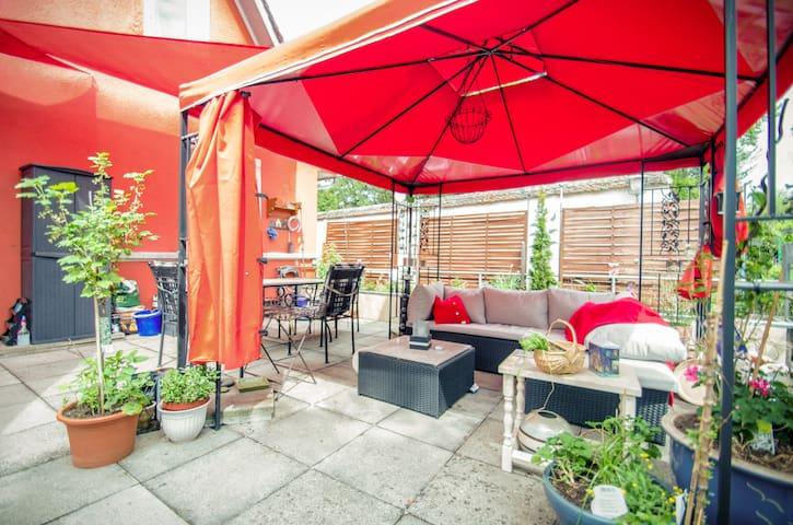 (URL HIDDEN) Basel 4 room apart. 7 beds 40m2 Veranda - Dornach - Appartement