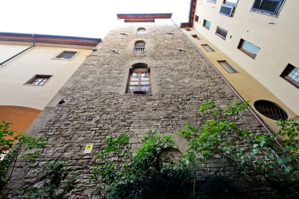 The Mannelli's Tower where the apartment is located