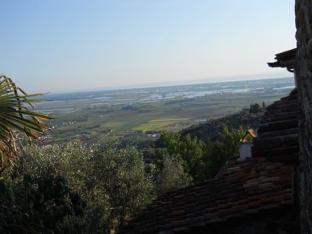 casa contadina con vista sul mare - Pieve A Elici - Maison
