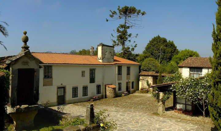 Casa rural en Compostela. Especial familias (10 p)