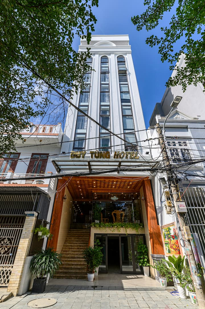 Duy Tùng Hotel and Apartment
