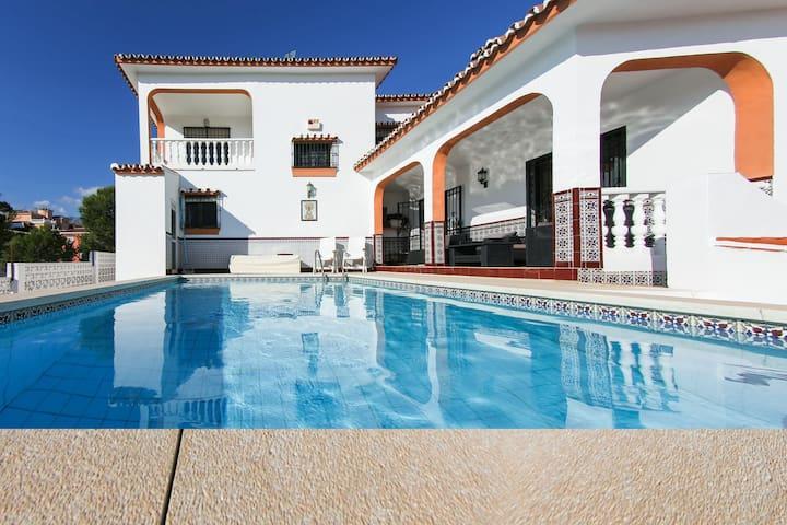 Villa Budha El Coto, Fuengirola