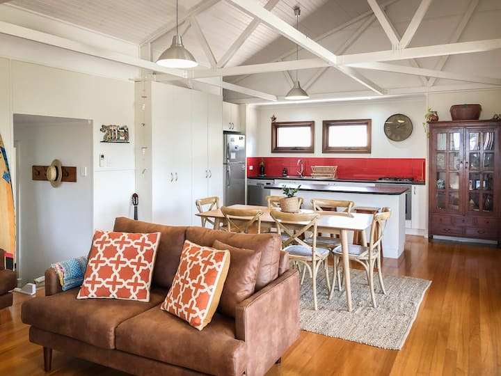 Samphire Beach House with Studio