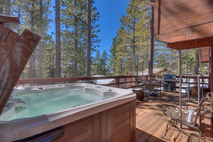 Base Camp at Dollar Point with Private Hot Tub