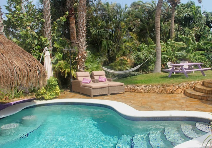 Mexican Style Villa w/Private Pool, FREE utilities