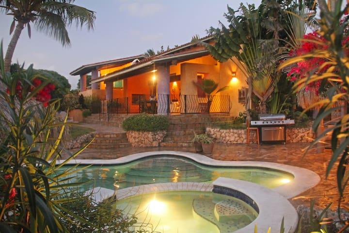 Stunning 5BR Mex.Style Villa w/pool gym