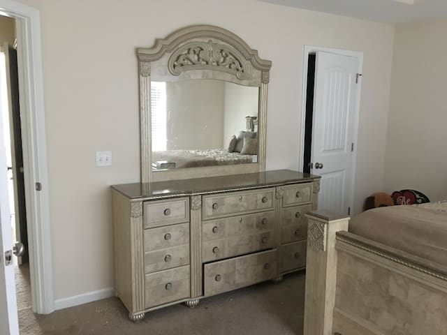 Room for Rent in Luxury Gated Townhouse Community - Pooler - Townhouse