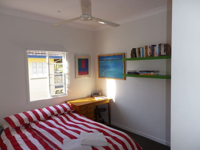 Room in Mitchelton, Brisbane - Mitchelton - Huis