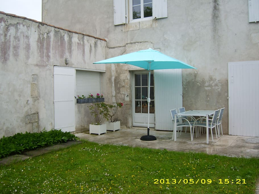 2 chambres d 39 hotes 10 39 la rochelle bed breakfasts for for Chambre d hote la rochelle