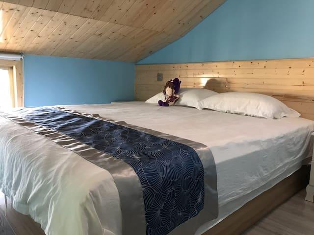 伊间丨迪士尼乐园丨少女心丨时尚蓝调大床房