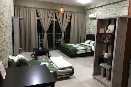 Palazio APT (JB)Homestay - Johor Bahru - Apartemen