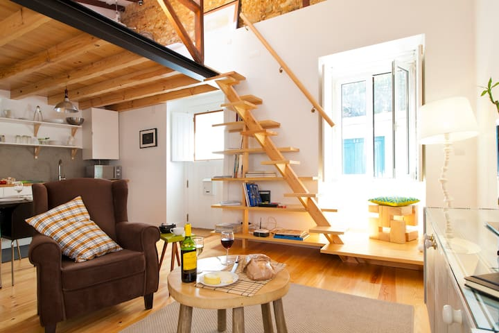 Lisbon Stylish Sky View Loft Peaceful surrounded