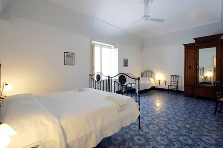 Lorenza/Fanny - Trapani - Bed & Breakfast