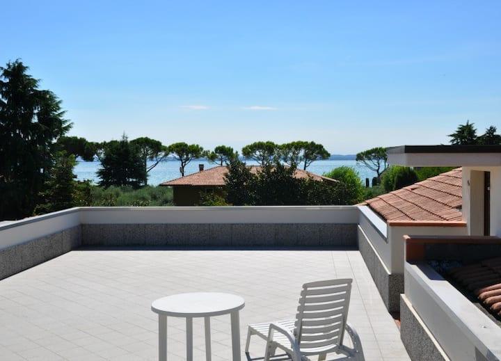 Garda Bloom   Attic Lake Garda