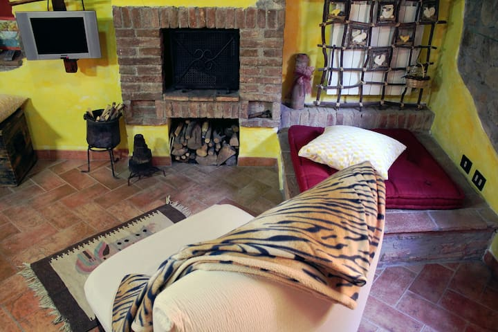 """I Girasoli"" Apartment - Monteverdi Marittimo - Appartement"
