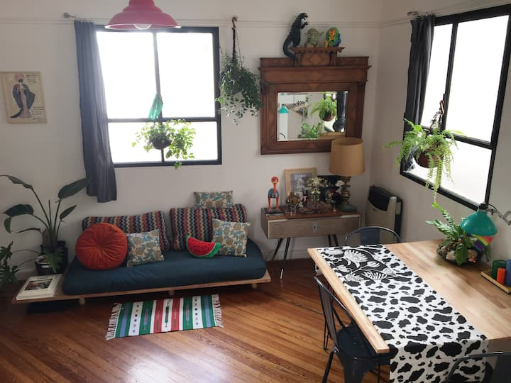 GAYBNB  -15min from everywhere - Clean & Cosy