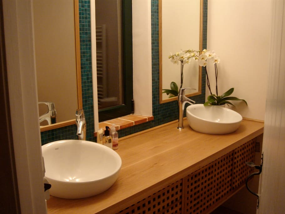 Bathroom 1 ensuite