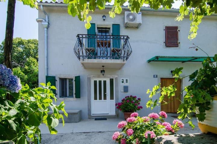 Holiday home Miletti---odmor uz mir i tišinu