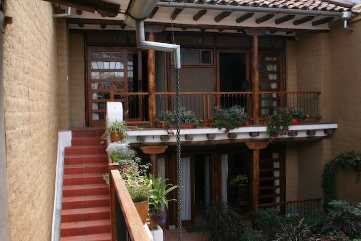 Split-level studio, downtown Cuenca