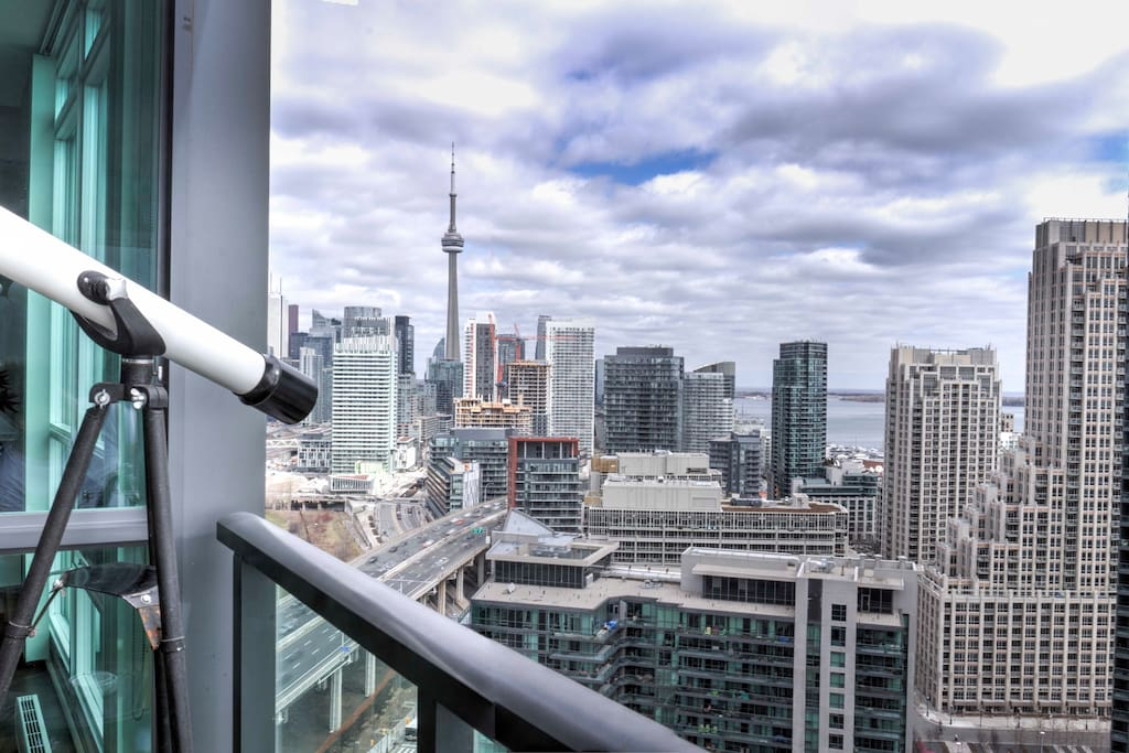 The CN Tower and Toronto Financial District