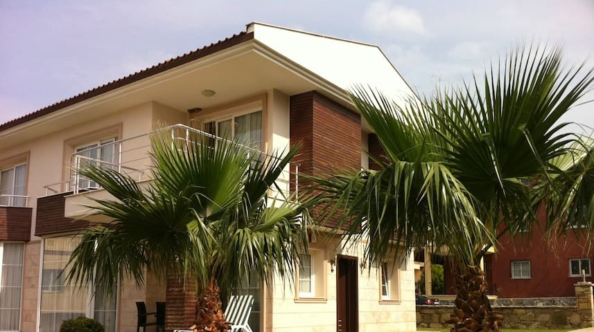 Modern Villa w Pool: Quiet & Comfy - Kusadasi