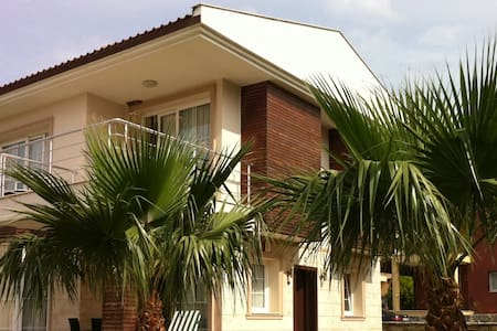 Modern Villa w Pool: Quiet & Comfy - Кушадасы - Вилла