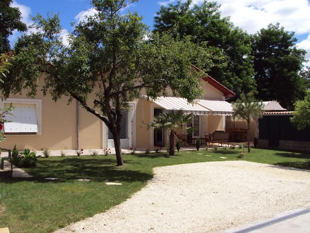 At the heart of Bergerac - Beautifu - Bergerac - House