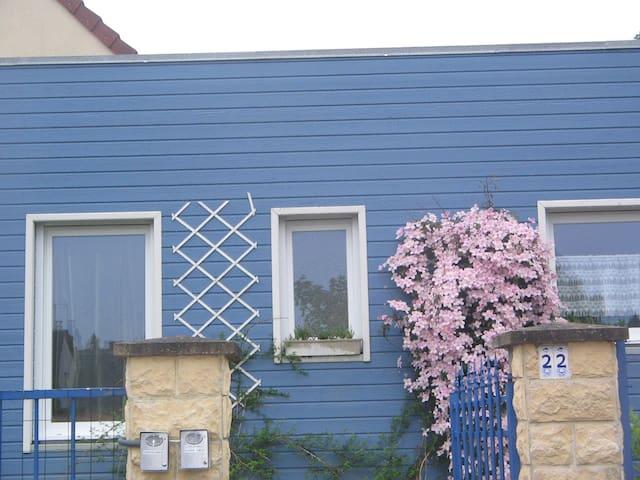 LE CHALET BLEU - Éterville - Huis