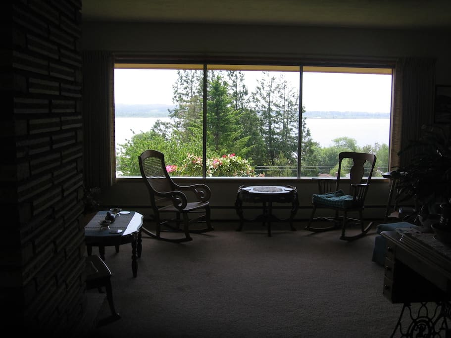 Beautiful view of Youngs Bay from the living room.