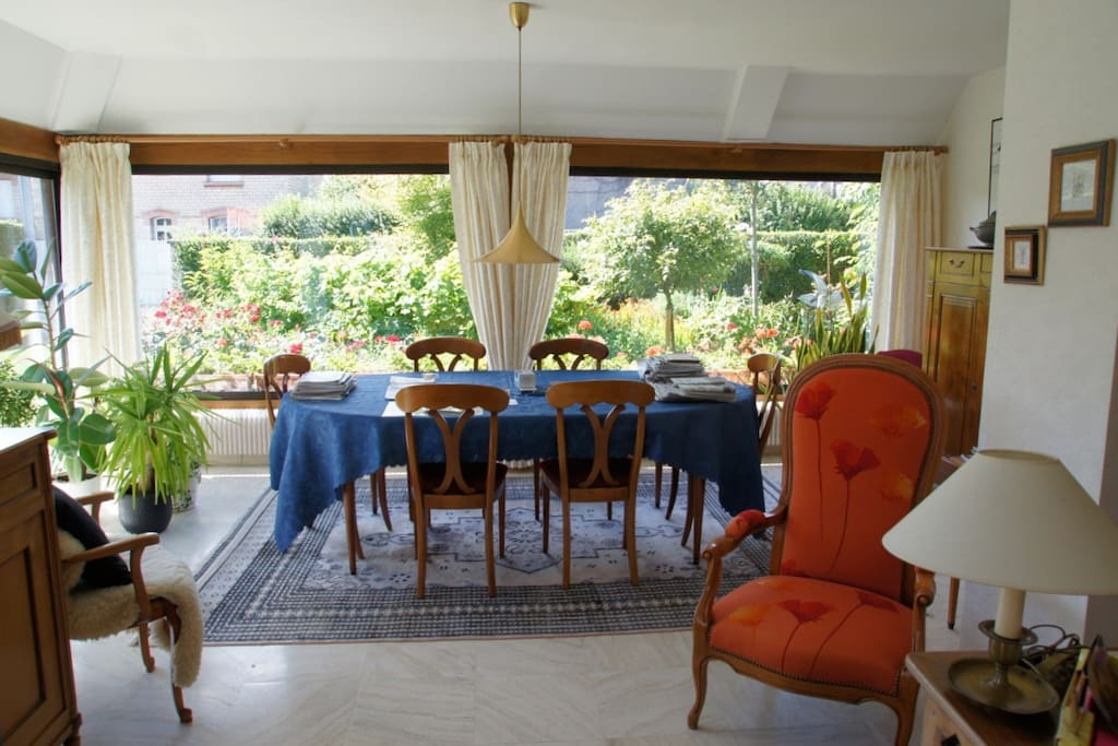 Dining room with view over the garden