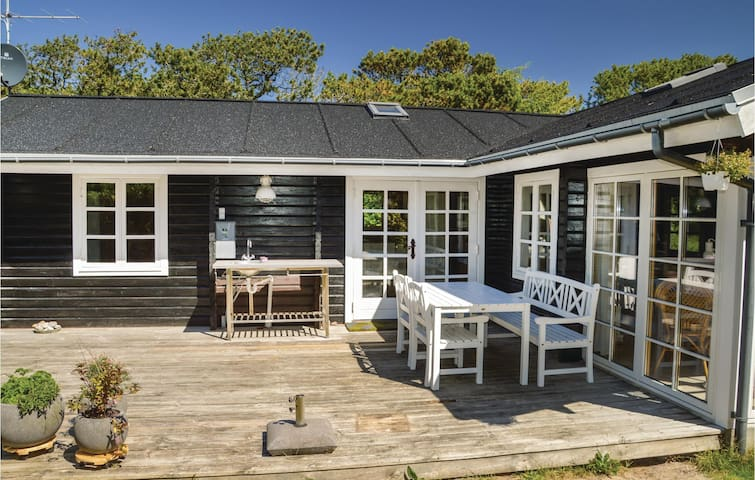 Holiday cottage with 3 bedrooms on 76m² in Hjørring