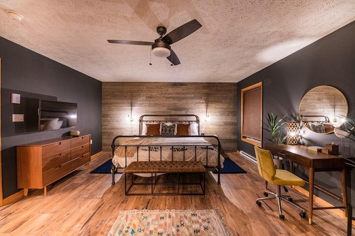 Escape to the Poconos & Stay at Donovan's Cabin
