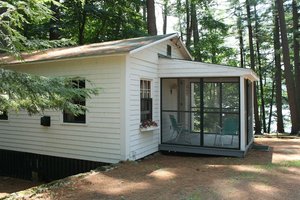 Lake winnipesaukee cottage 4 cottages for rent in for New hampshire log cabins