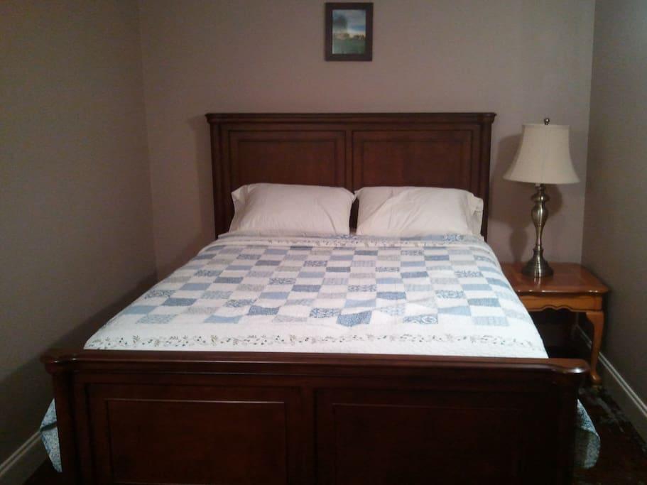 Queen size comfy bed