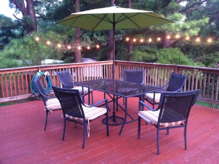 Main hang-out area on the deck. Yes, it's this cool ... :)
