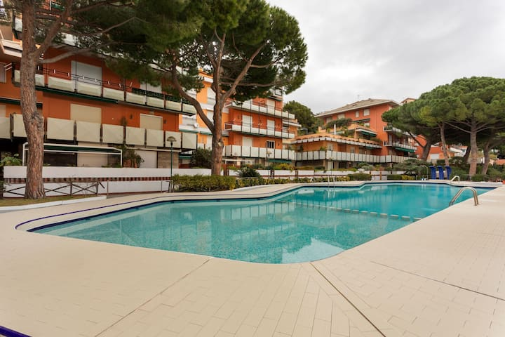 Cozy Holiday Home in Arenzano with Swimming Pool
