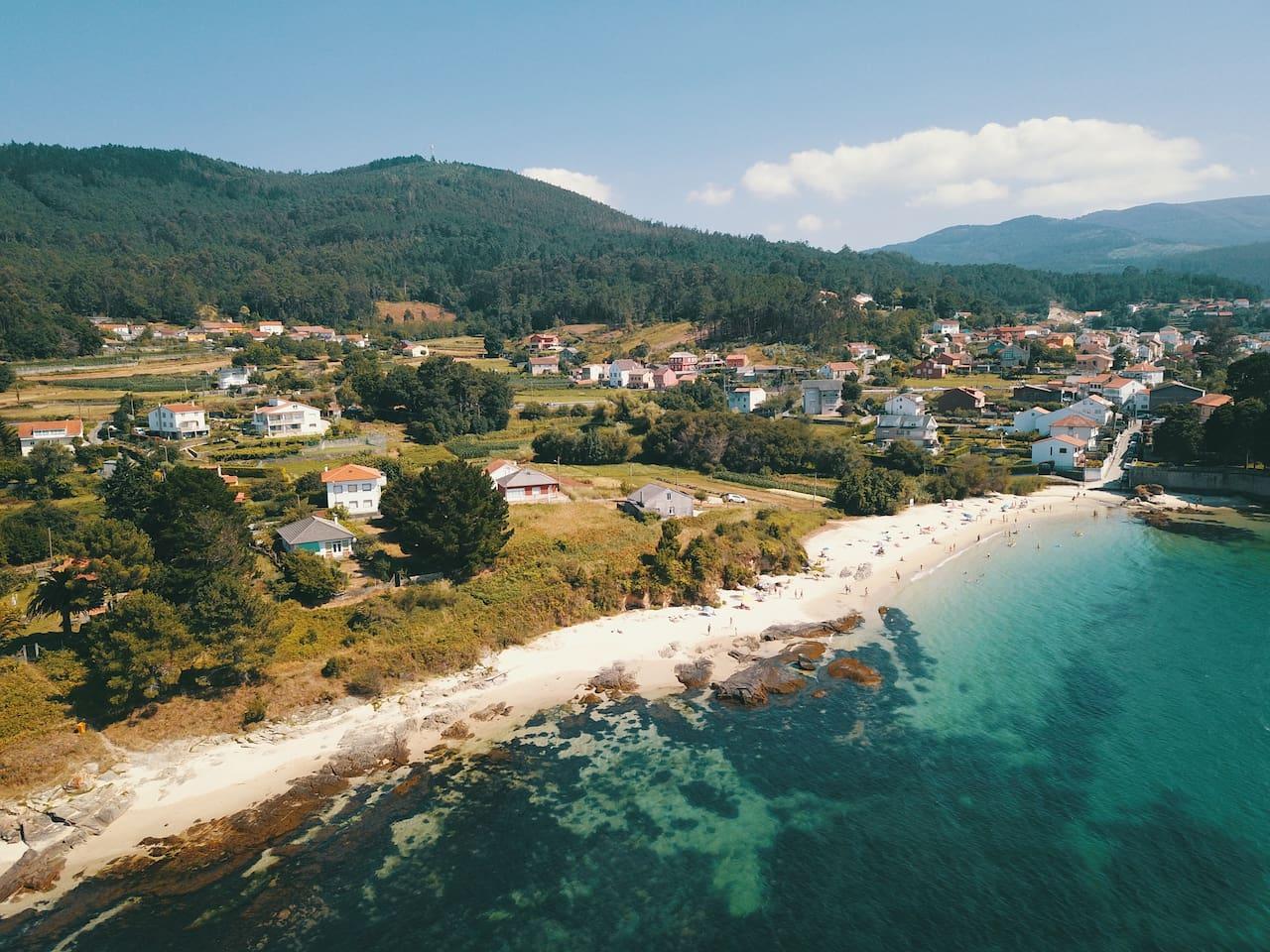 """Boa y sus playas. Ésta y otras fotos es un regalo de Baoluo, uno de mis huéspedes. A tan sólo 200 metros se encuentra la casa de """"O Castro""""."""