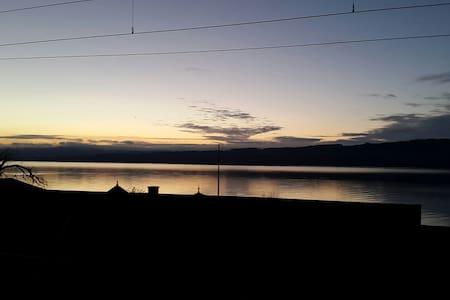 Cachet, vue sur le lac, bien placé - Grandson - Pis