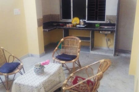 Comfortable home stay in a quiet neighborhood 3