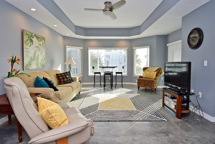 Luxury 5 Bed with Stunning Siesta Key Beach Views!