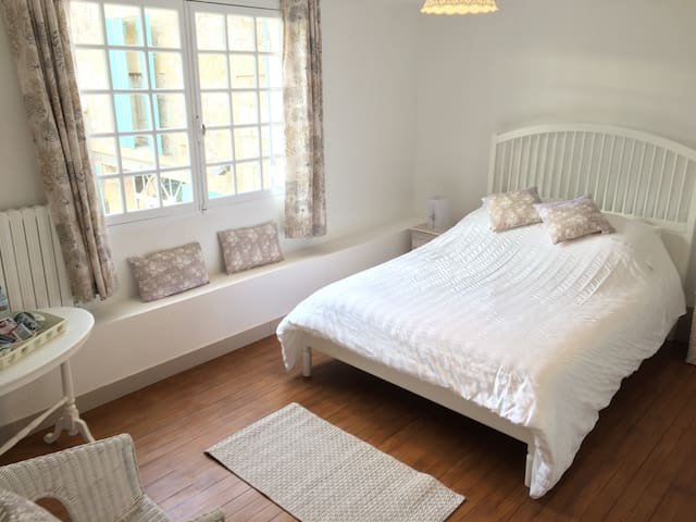 Comfortable bedoom near St Emilion - Saint-Magne-de-Castillon